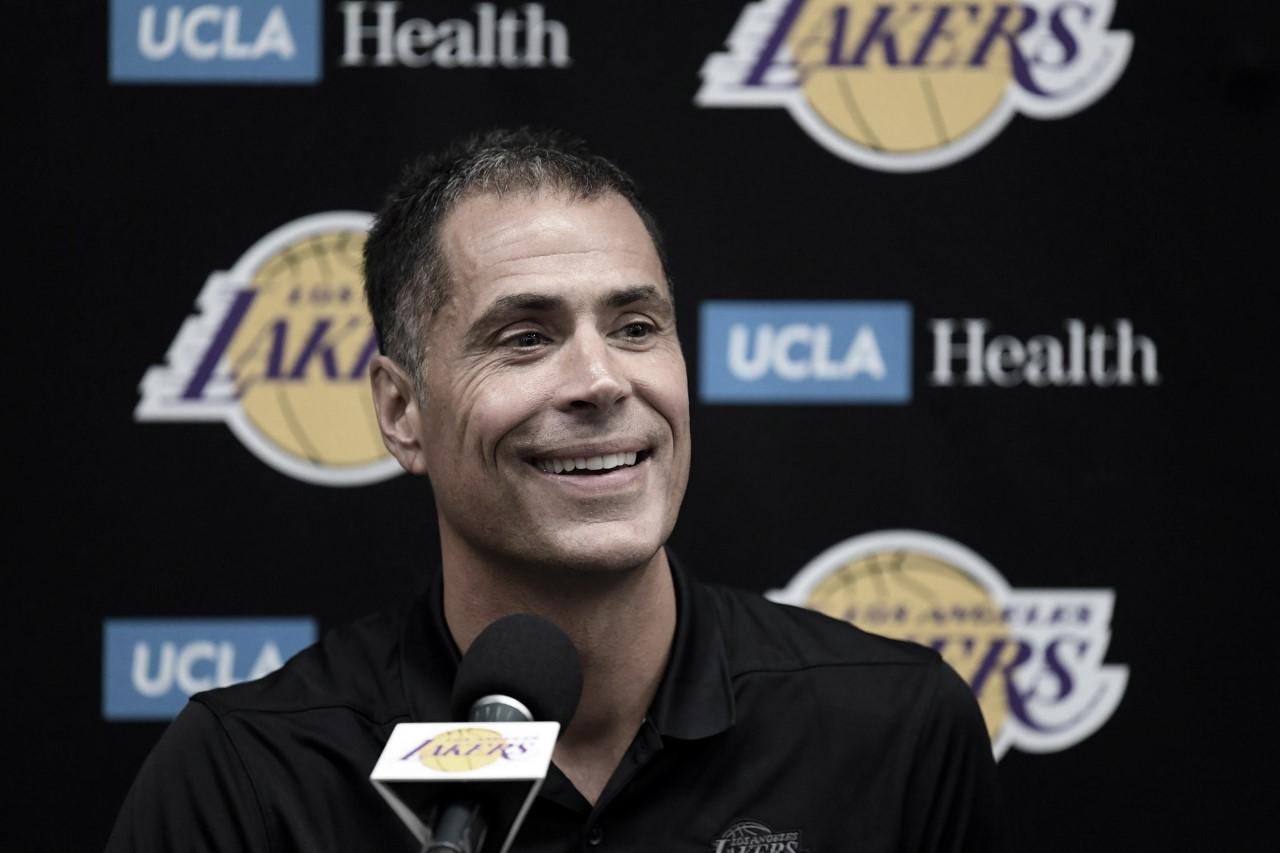 Lakers promote Rob Pelinka