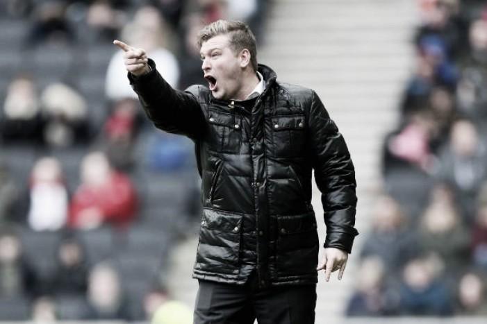 Karl Robinson, nuevo entrenador del Charlton Athletic