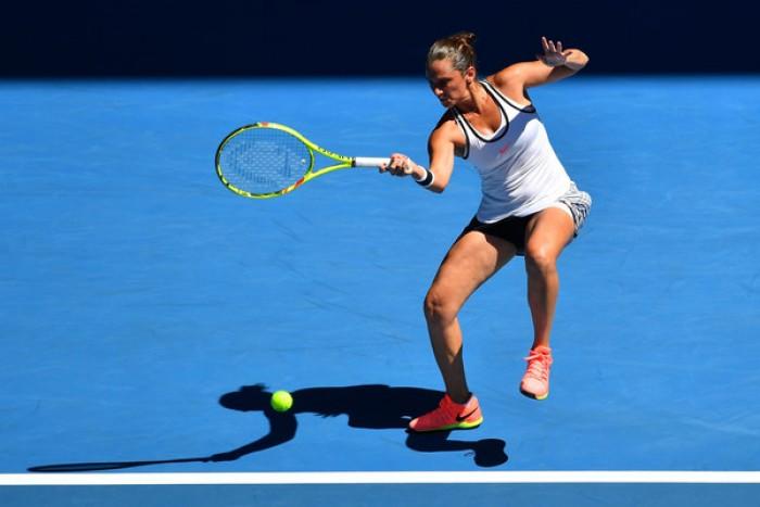 WTA San Pietroburgo - Vinci batte Petkovic ed approda ai quarti