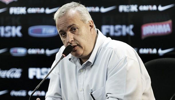 """Presidente do Corinthians elogia ano e garante: """"Ninguém mais sente falta dos que foram"""""""