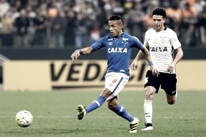 Rafinha supera estimativa de recuperação e fica disponível para pegar o Corinthians