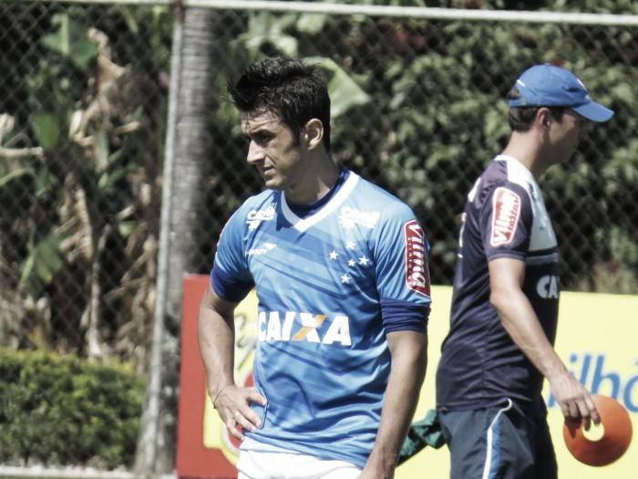 Robinho sofre quarta lesão desde que chegou ao Cruzeiro e está fora do jogo contra Flu