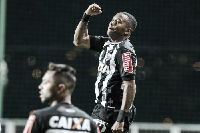 Atlético-MG vence Coritiba e fica a três pontos do G-4