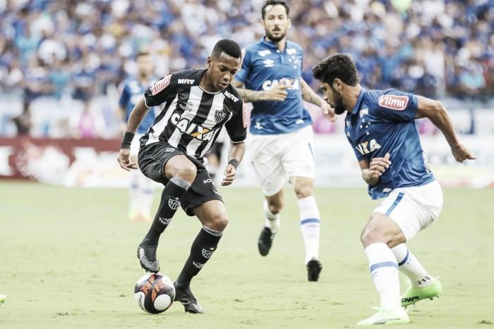 Robinho evitar falar sobre expulsão de Fred e elogia atuação do Atlético-MG
