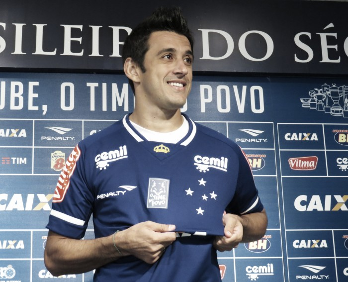 """Emprestado pelo Palmeiras, Robinho visa boa fase no Cruzeiro: """"Espero fazer gols"""""""