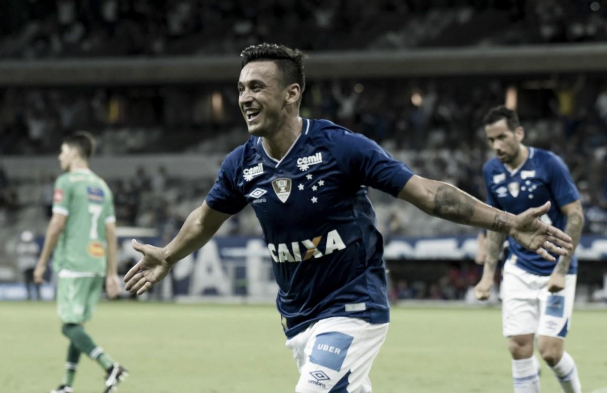 """Robinho vê Cruzeiro favorito contra Atlético-MG e explica: """"Pelo futebol que temos apresentado"""""""