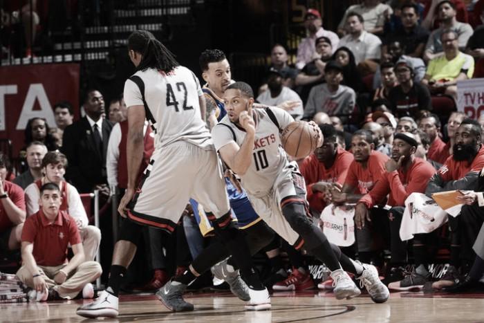 Curry condujo a los Warriors a la victoria