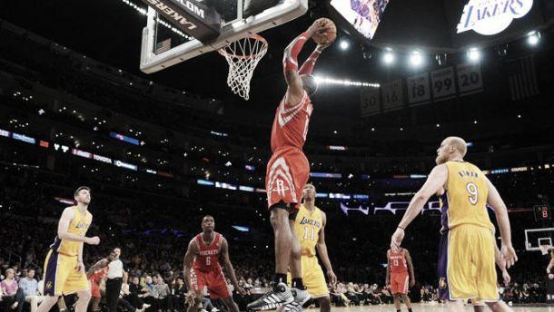 Houston Rockets vence Lakers e chega a oitava vitória seguida
