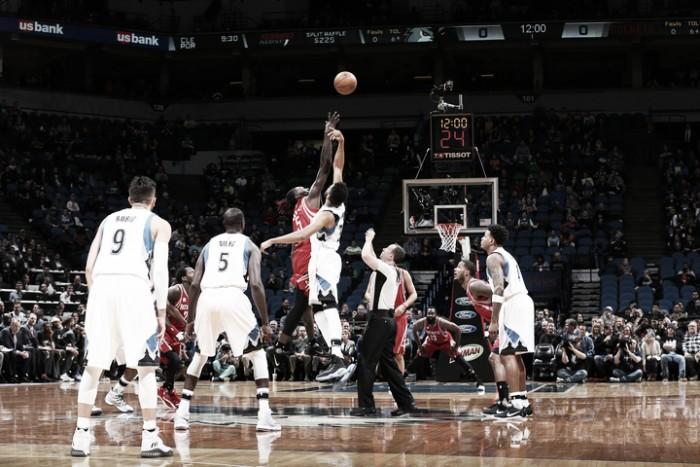 Los Timberwolves detienen racha ganadora de Rockets