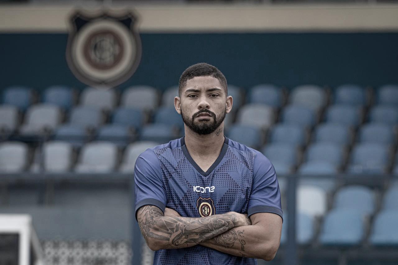 Volante Rodrigo Yuri é oficializado como novo reforço do Madureira para Campeonato Carioca