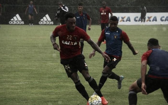 Rodney Wallace volta a treinar e Sport inicia preparação para jogo contra Cruzeiro