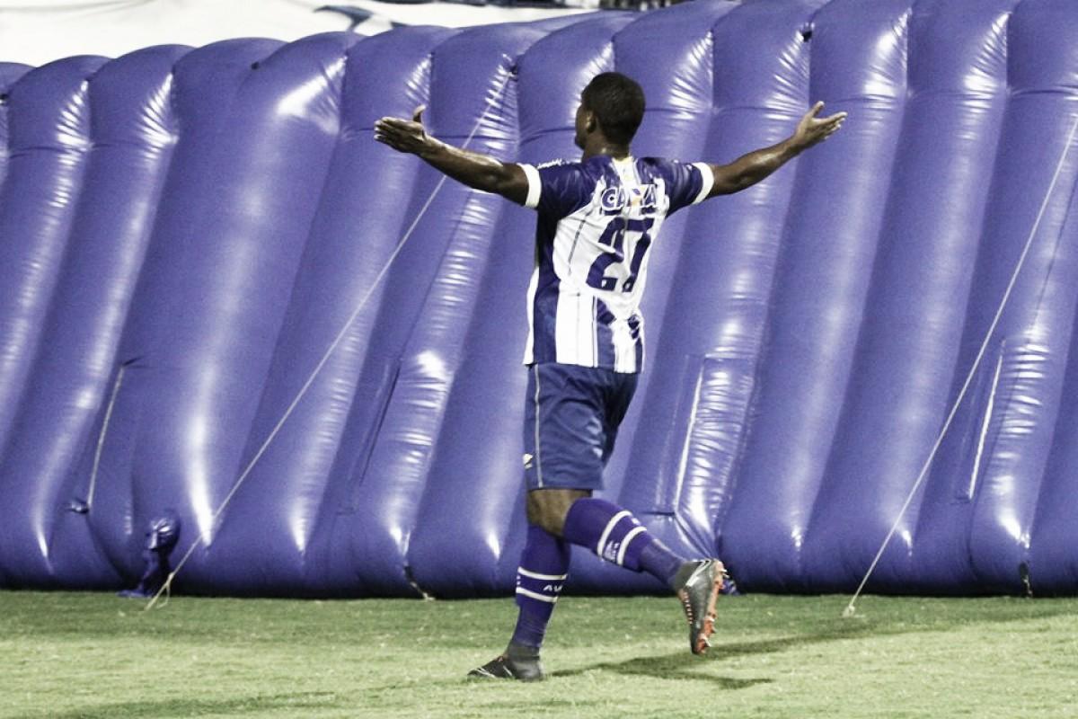 """Após gol na estreia, Rodrigão ressalta importância do empate no fim: """"Não podemos desistir"""""""