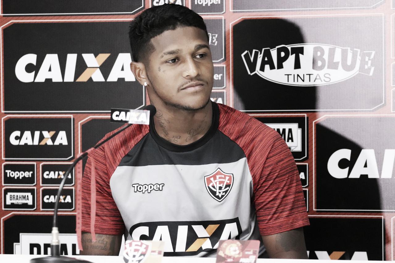 """Rodrigo Andrade menospreza queda de rendimento e avalia defesa: """"Às vezes a gente dorme"""""""