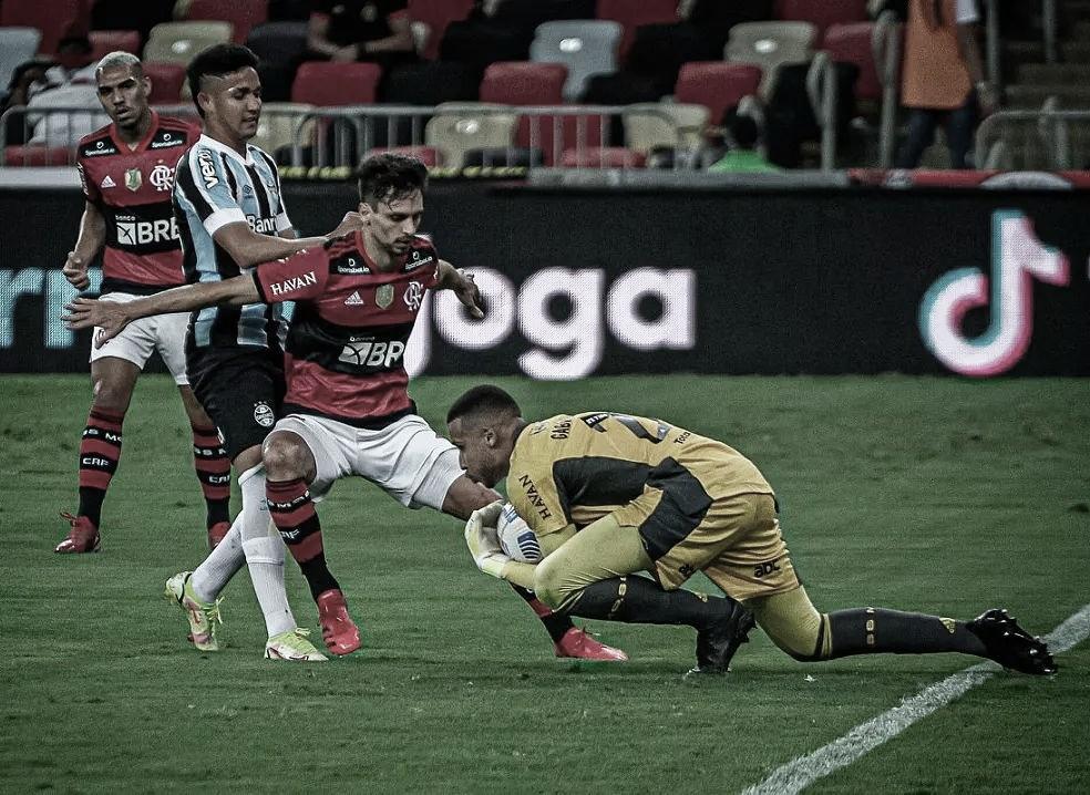 Rodrigo Caio comemora volta ao Flamengo e Portaluppi projeta estreia de David Luiz