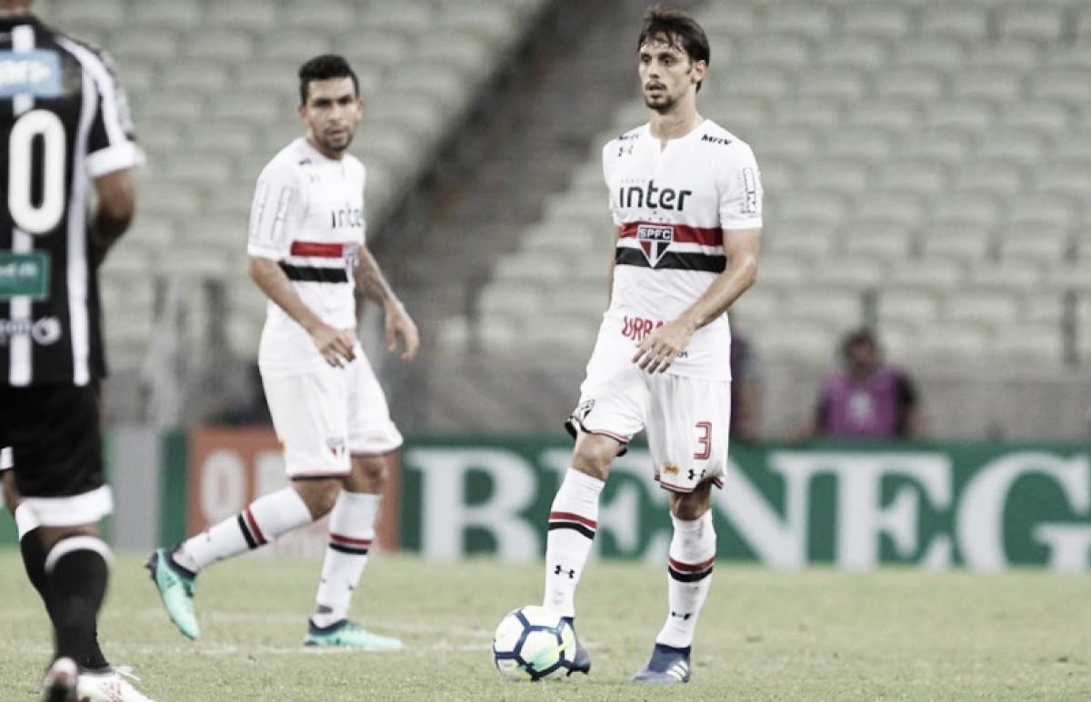 Rodrigo Caio faz tratamento na volta para São Paulo após sair chorando de jogo contra Ceará