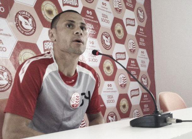 Com proposta do exterior, Rodrigo Careca acerta sua saída do Náutico