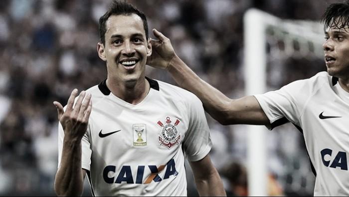 Na reestreia de Oswaldo de Oliveira, Corinthians vence e praticamente rebaixa América-MG