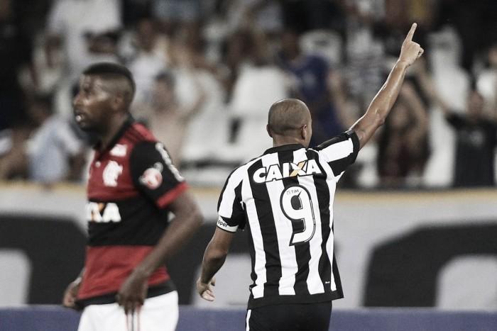 Roger marca duas vezes e Botafogo vence clássico contra o Flamengo