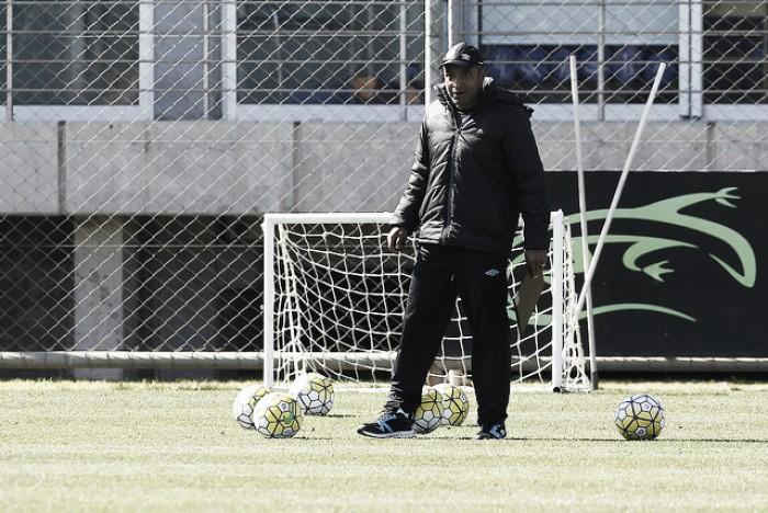 Roger elogia maturidade do Grêmio com novo esquema