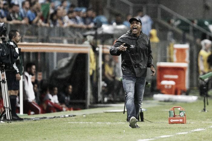 Roger Machado analisa eliminação gremista: ''Perdemos para um adversário que foi melhor''