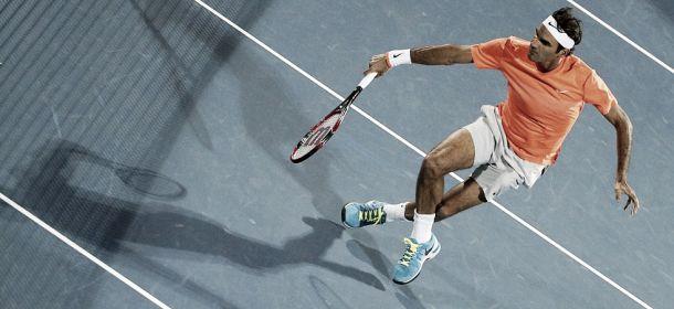 Federer remonta en Dubai