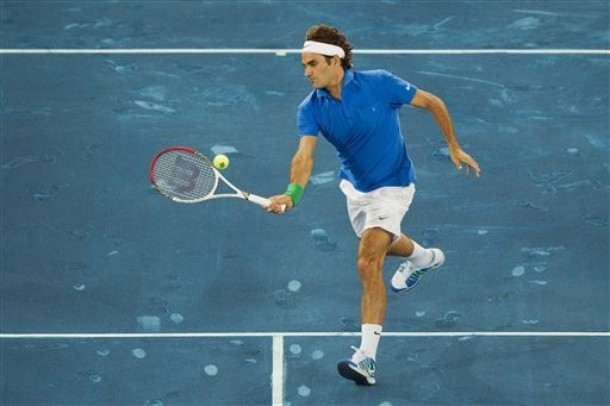Federer sopravvive a Raonic
