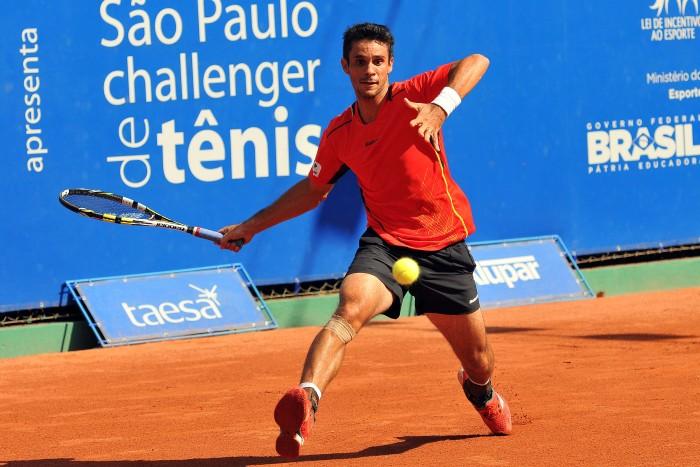 Carlos Berlocq vira contra Rogério Dutra Silva e avança para a semifinal em Aix en Provence