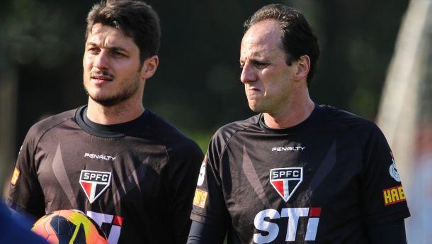 Gustavo Vieira de Oliveira garante Denis como substituto de Ceni