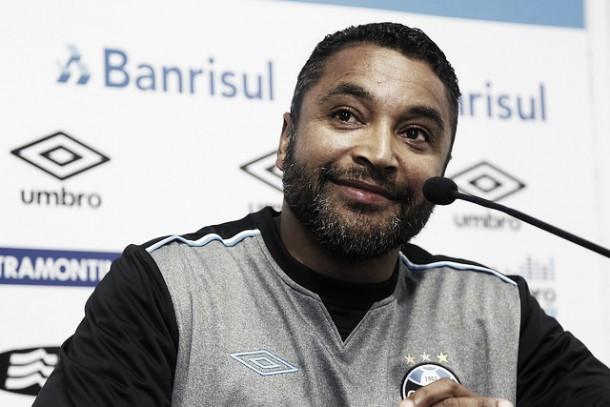Grêmio renova com técnico Roger Machado por mais dois anos