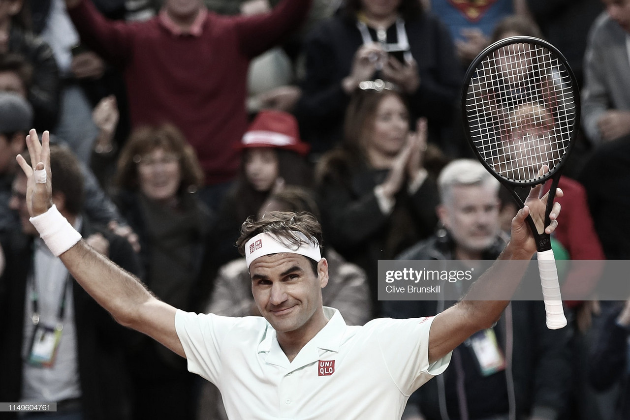 Federer sufre pero continúa con vida en Roma