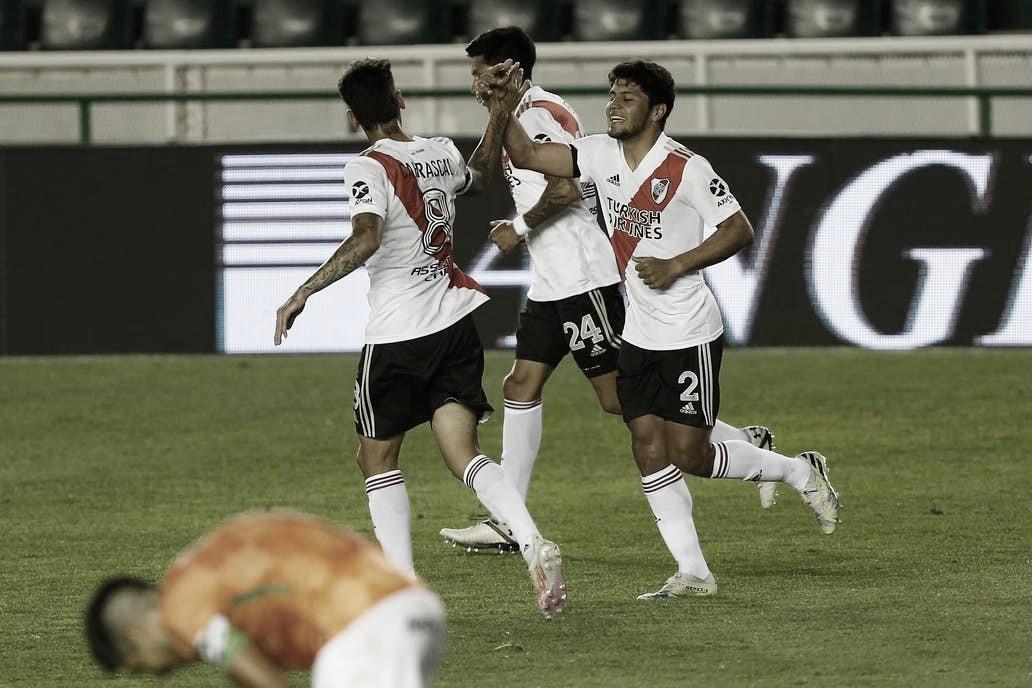 El festejo de Robert Rojas tras el segundo gol. FOTO: La Nación.
