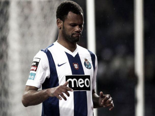 FC Porto: Sai Rolando, entra Marcano
