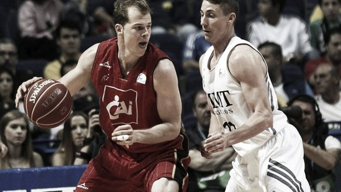 Baskonia ficha a Michael Roll hasta junio de 2017