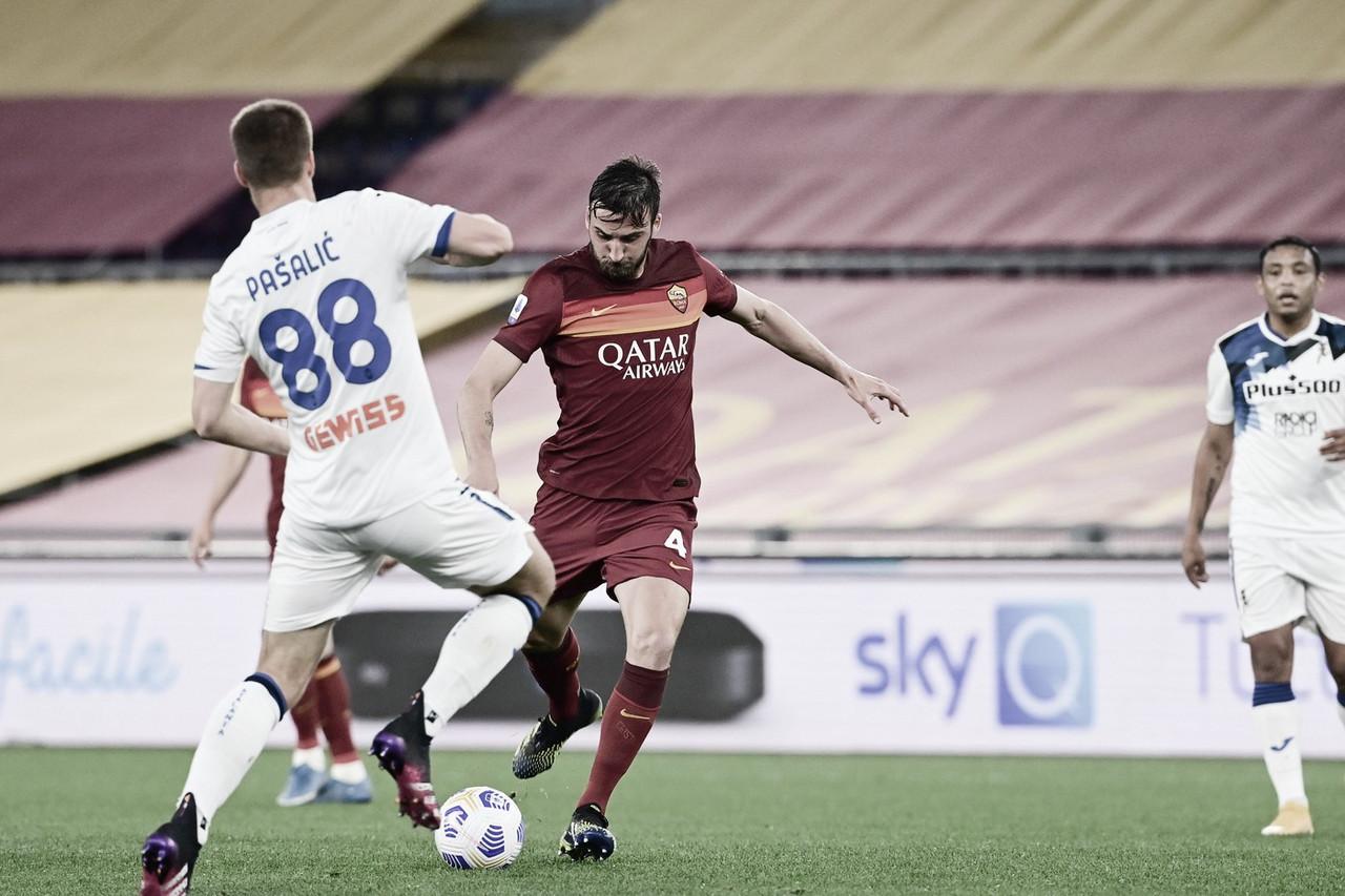 Atalanta se complica com expulsão de Gosens e cede empate à Roma