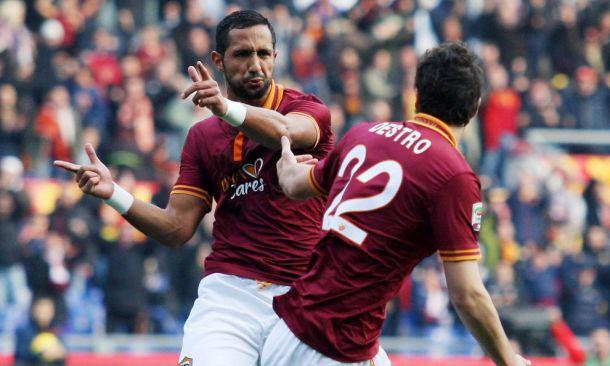 Roma goleia lanterna e se empolga na caça à Juventus