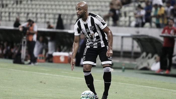Lateral-esquerdo Romário destaca aumento de confiança do Ceará após vitória sobre Criciúma