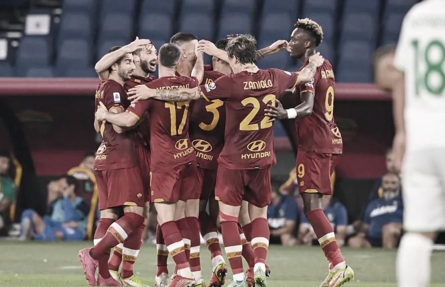 No jogo mil de Mourinho, Roma sofre, mas bate Sassuolo com gol no fim e lidera Serie A