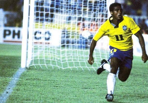 Brigas, sufoco e salvação: Romário colocava o Brasil na Copa de 1994