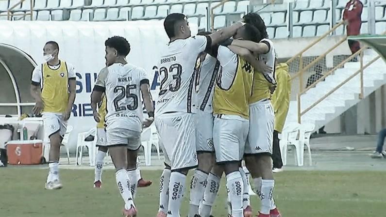 Com expulsão de Enderson na estreia, Botafogo vence Confiança e se afasta do Z-4