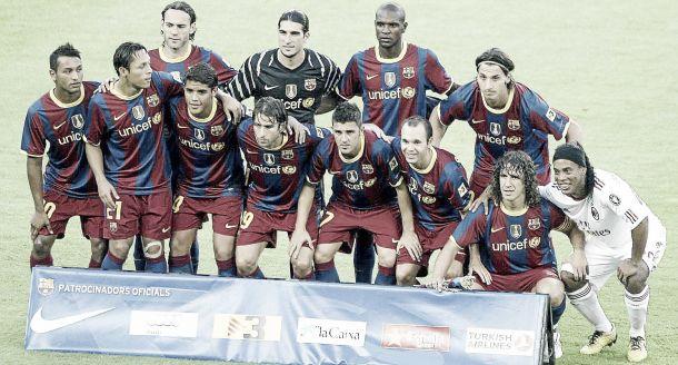 Dos visitas del Milan y un homenaje a Ronaldinho