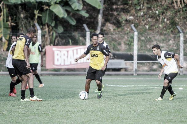 Ronaldinho Gaúcho é confirmado entre os titulares no amistoso contra Ghizhou Renhe