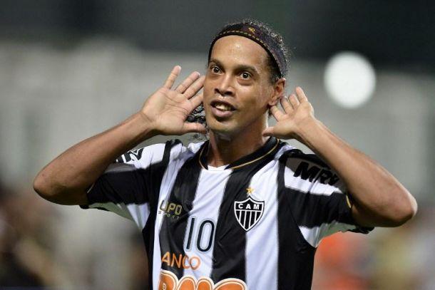 Et si Ronaldinho s'envolait pour le PSG?