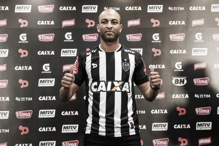 Zagueiro Ronaldo é apresentado como novo reforço do Atlético-MG