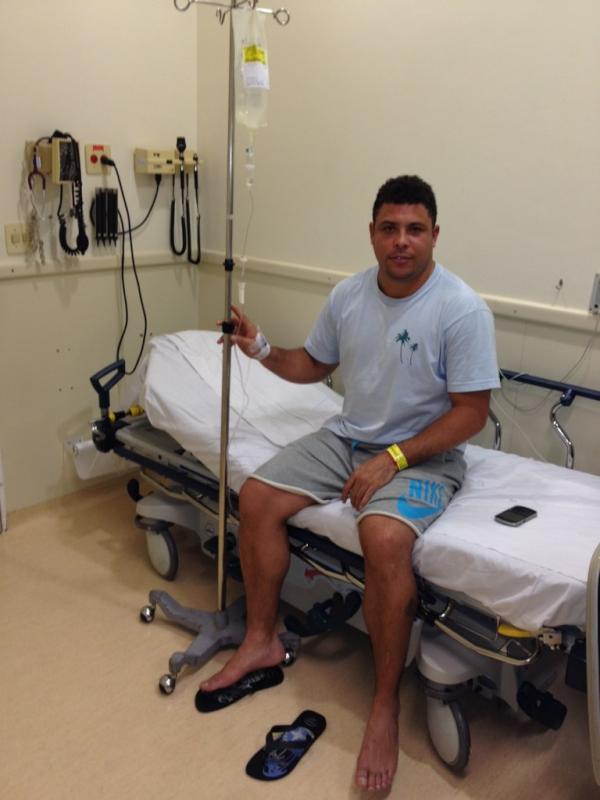 Ronaldo elige twitter para comunicar que fue hospitalizado por dengue