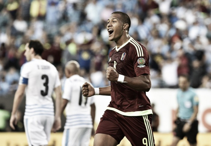 Venezuela vence Uruguai e encaminha classificação na Copa América Centenário