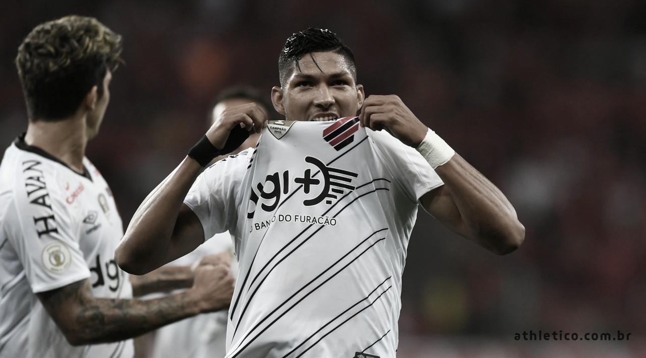 Athletico é punido pela Fifa por contratação de Rony