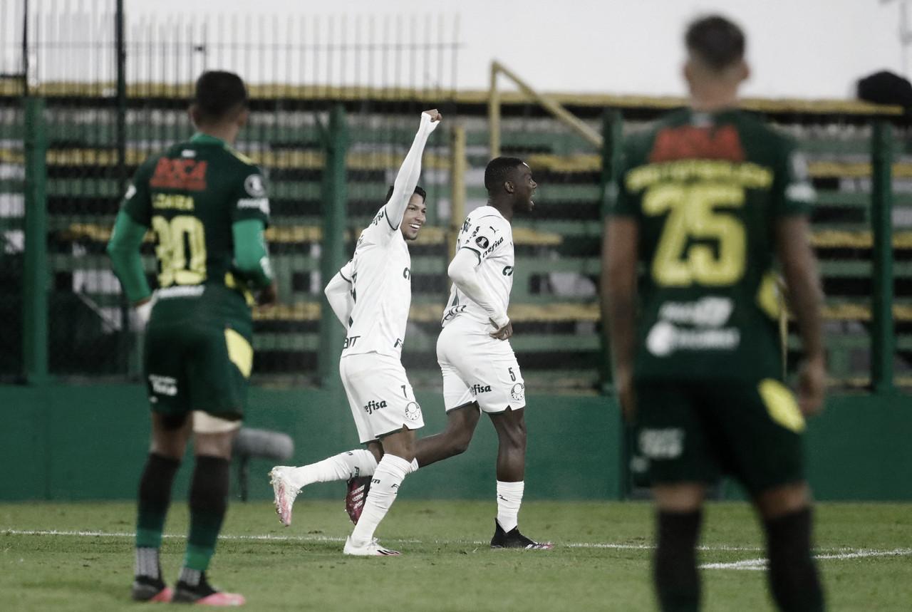 Rony marca duas vezes, e Palmeiras vence Defensa y Justicia fora de casa