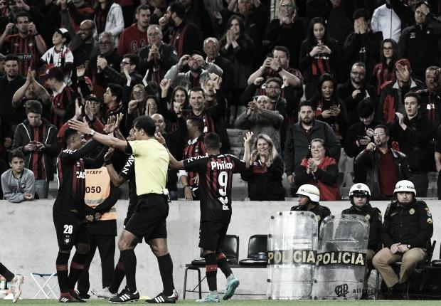 """Rony comemora gol e boa atuação contra o Fluminense: """"Esse jogo vai ficar marcado"""""""