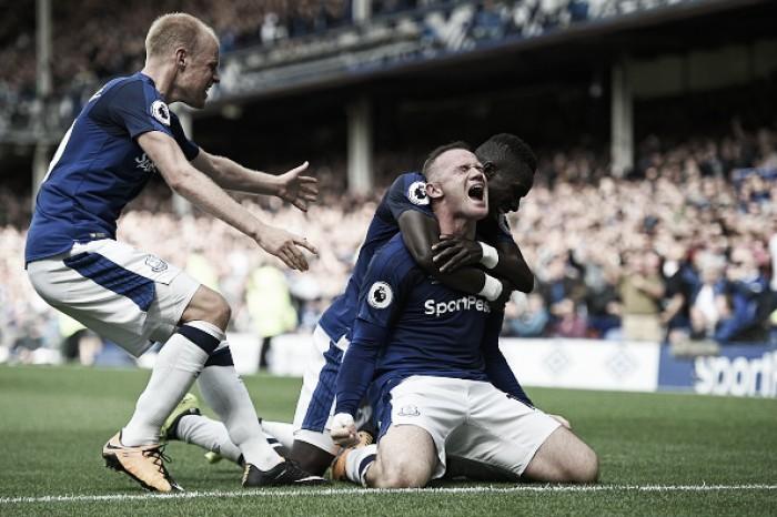 Após 13 anos longe do Goodison Park, Rooney marca e Everton derrota Stoke