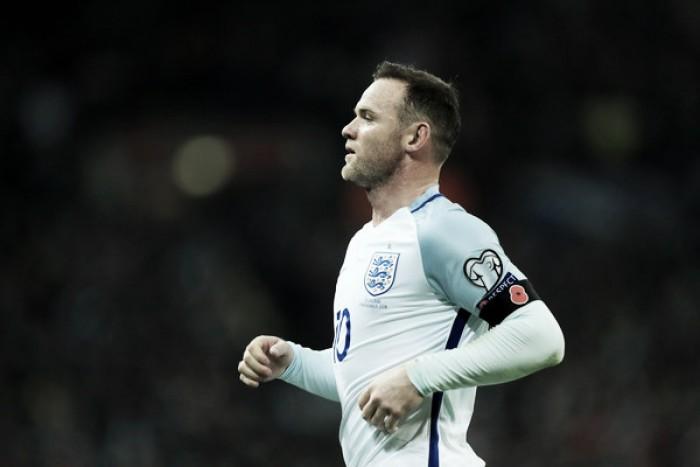 Mourinho foge de responsabilidade em 'caso Rooney' e confirma atacante para o clássico